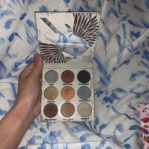 Glam Metals Eyeshadow pallet By:CROWN
